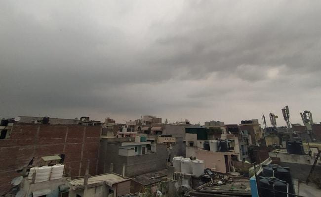 दिल्ली और हरियाणा के कुछ हिस्सों में बारिश से राहत, तापमान में आई गिरावट..