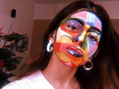 """""""Send Help,"""" Says Alaya Furniturewalla After Face Painting. If Only We Could Send Her Art Paper"""