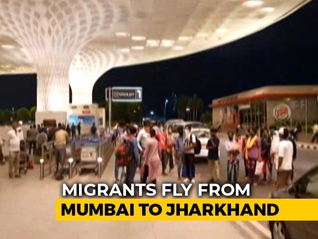 Video : Law School Alumni, IIT Bombay Help 180 Migrants Fly To Jharkhand