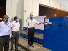 कोचीन हवाई अड्डे पर डीआरडीओ के यूवी आधारित लगेज डिसइनफ़ेक्टर सिस्टम से सामान को किया जा रहा डिसइन्फेक्ट
