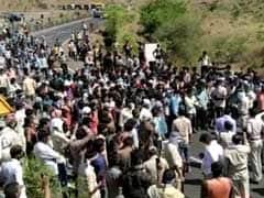 Lockdown: मध्यप्रदेश-महाराष्ट्र की बॉर्डर पर मजदूरों ने पथराव किया, तीन पुलिस कर्मी घायल