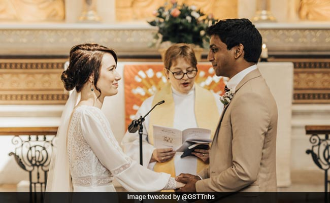 Viral: Doctor And Nurse Get Married At Hospital Amid COVID-19 Crisis