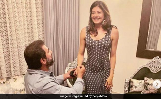 Pooja Batra's Throwback Pic Of Nawab Shah Proposing To Her Is Pure Gold