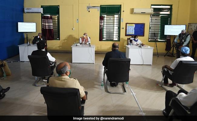 At PM Modi, Mamata Banerjee's Cyclone Survey, A Marked Social Distancing