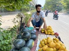 Lockdown ने छीनी नौकरी लेकिन फिर भी नहीं टूटी हिम्मत, फल-सब्जी बेचकर गुज़ारा कर रहा ग्रेजुएट