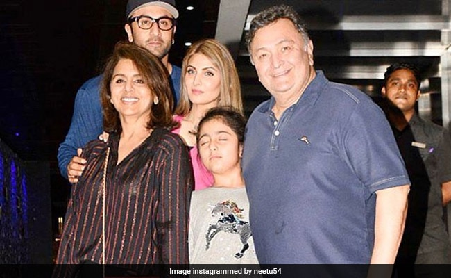 'How I Wish..': Neetu Kapoor Shares Throwback Pic With Rishi Kapoor, Ranbir, Riddhima And Samara