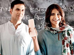 Akshay Kumar's <i>PadMan</i> Oopsie Prompts ROFL Reaction From Producer Twinkle Khanna