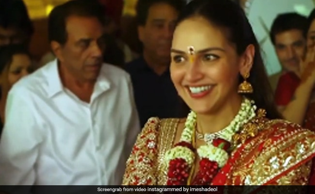 Esha Deol Shares Lovely Video Featuring Dad Dharmendra And Mom Hema Malini From Her Wedding Album