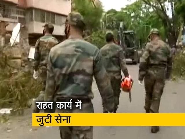 Videos : पश्चिम बंगाल में अम्फान से हुई तबाही के बाद राहत कार्य में जुटी सेना