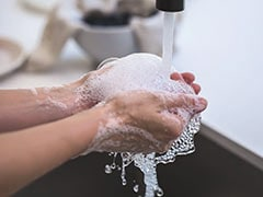 Toss Aside Synthetic Soaps: Pick All-Natural Hand Wash For Kids