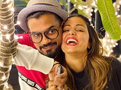 "Trending: Hina Khan Meets Boyfriend Rocky Jaiswal ""After Ages,"" Shares Pic"