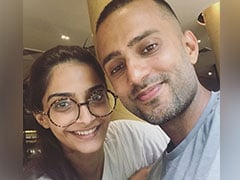 Sonam Kapoor Plans Picnic-Themed Birthday For Anand Ahuja, His Healthy Cake Steals Show!