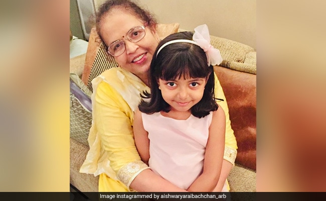 How Cute Is This Pic Of Aaradhya Bachchan With Grandmother Brinda Rai?
