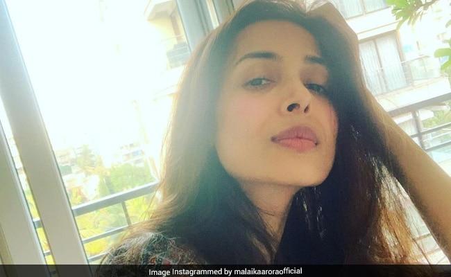 Malaika Arora Took A Page From Kareena Kapoor's 'Kaftan Tales.' The Actress' Reaction Is Priceless