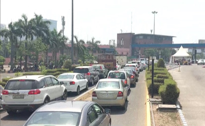 Heavy traffic congestion seen at toll booth on Delhi-Noida Direct (DND) Flyway