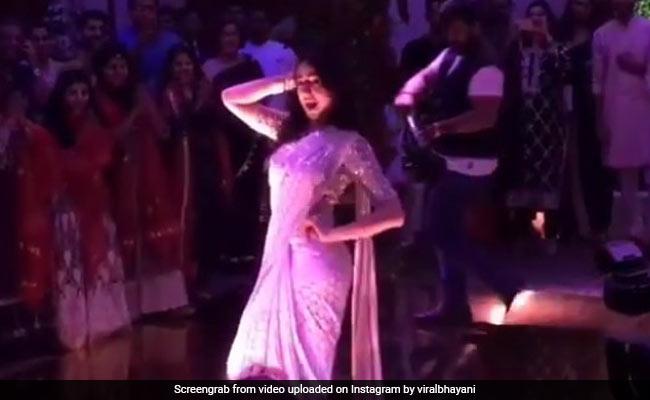 सारा अली खान ने पार्टी में 'सात समुंदर पार' गाने पर यूं किया डांस, नजरें नहीं हटा पा रहे लोग- देखें Video