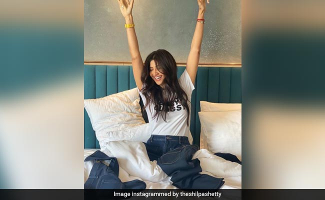 Here's Why Shilpa Shetty's Oats <i>Sattu Upma</i> Is The Most Wholesome Breakfast Meal Ever