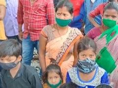 Lockdown: बिहार के प्रवासी मजदूर आसमान से गिरे, खजूर में अटके; एमपी में रेलवे पटरी पर उतरे