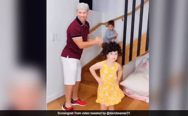 David Warner  Daughters Show Off Thumkas In Latest Viral Video