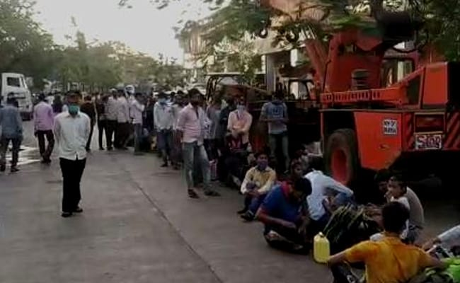 'Can't Return To Rented Homes': Migrants In Mumbai After Trains Cancelled