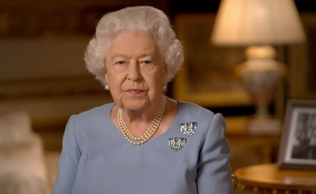 'Never Give Up': Queen Elizabeth To Britain In Tribute To World War II Generation