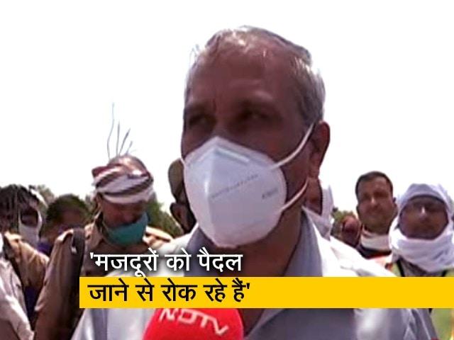 Videos : औरेया हादसे पर बोले मंत्री लाखन सिंह- मजदूरों को पैदल जाने से रोक रहे हैं