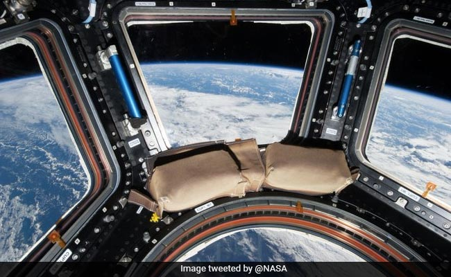NASA's Late-Night Twitter Exchange On Space Snack, WiFi And A July Date