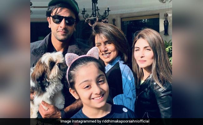A Family-Only Pic With Neetu Kapoor, Ranbir, Riddhima And Samara