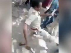 बेंगलुरू : घर भेजने की मांग कर रहे प्रवासी मजदूरों को ASI ने जड़ा थप्पड़... मारी लात, कैमरे में हुआ कैद