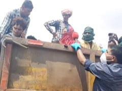 ट्रक में खचाखच भरे प्रवासी मजदूरों ने बिना पानी-भोजन के 800 किलोमीटर का सफर तय किया
