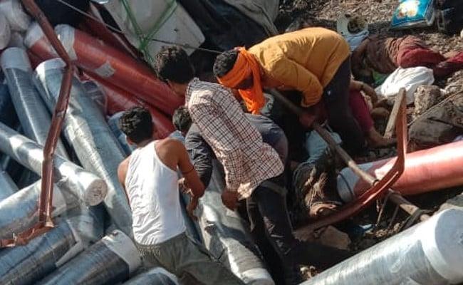 6 Migrants Killed, Several Injured As Truck Overturns In Madhya Pradesh