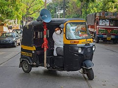 Despite His Father's Death, Pune Auto Driver Continues To Feed Migrants
