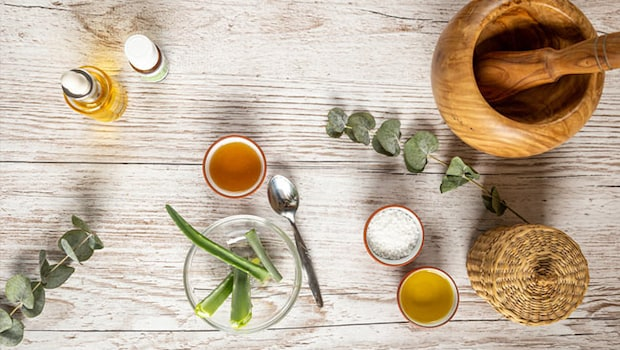 From Saunf To Ginger: 7 Natural Home Remedies That May Relieve Nausea