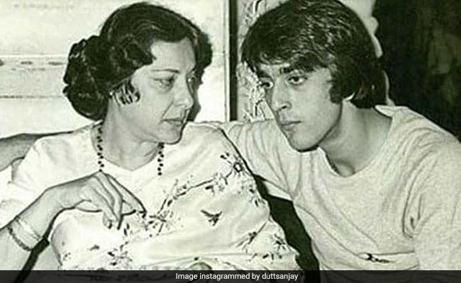 On Mother Nargis' Death Anniversary, Sanjay Dutt Writes: 'Wish You Were Here With Me'