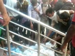 Video: Migrants Grab Food, Water Packets Tossed On Floor At Train Station