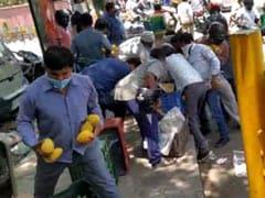 दिल्ली : रेहड़ी वाले से आम लूटने वाले लोगों में 4 अरेस्ट, सोशल मीडिया पर वायरल हुआ था VIDEO
