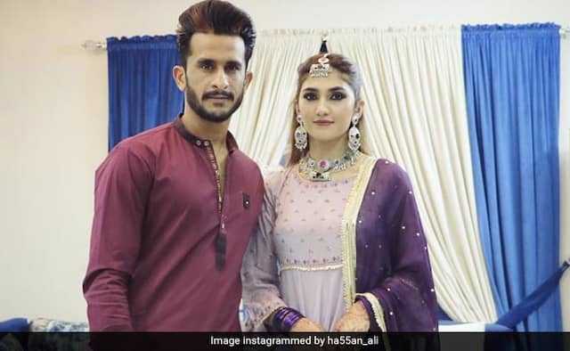 Fans trolls Hasan ali and his wife shamia arzoo over eid photos