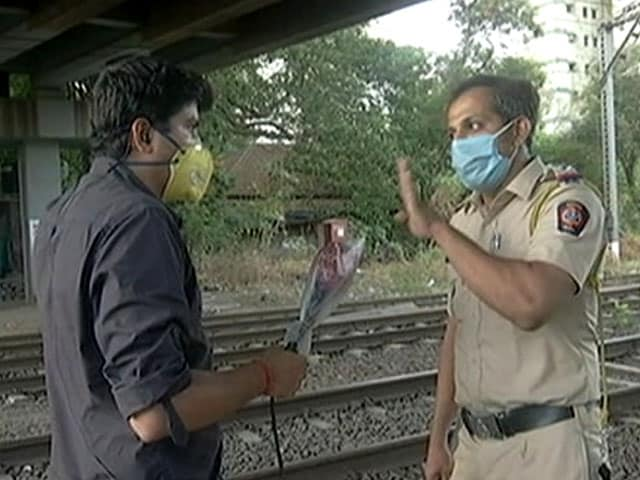 Video : As NDTV Speaks To Migrants Walking On Rail Tracks, Cops Swing Into Action