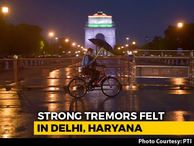Video : Delhi Earthquake: Strong Tremors For Many Seconds After 4.6 Magnitude Quake In Haryana