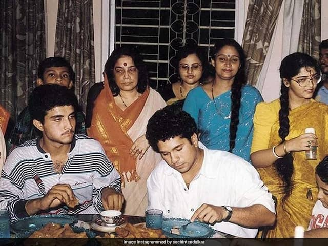 Sachin Tendulkars Throwback Picture With Sourav Ganguly Is All About Nostalgia