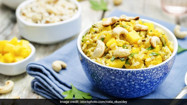 Make South Indian-Style Mango Rice (Mavinakayi Nellikai Chitranna) To Bid Adieu To Mangoes