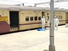 2 Found Dead As Migrants Workers' Train From Mumbai Pulls Into Varanasi