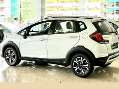 2020 Honda WR-V Facelift BS6 Arrives At Dealerships Ahead Of Launch