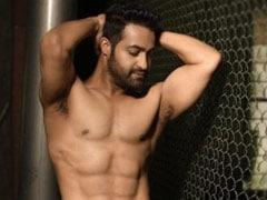राम गोपाल वर्मा ने शेयर की जूनियर एनटीआर की शर्टलेस तस्वीर, बोले- 'फोटो देख गे बनना चाहता हूं'