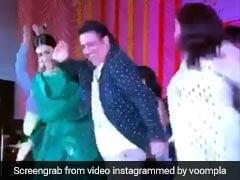 फैन्स की डिमांड पर कृति सेनन और गोविंदा ने मचाया धमाल, 'मिर्ची लगी' गाने डांस से उड़ाए होश- देखें Video
