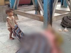 मां के शव के पास खेलते इस बच्चे का वीडियो हुआ था वायरल, अब शाहरुख खान ने बढ़ाया मदद का हाथ