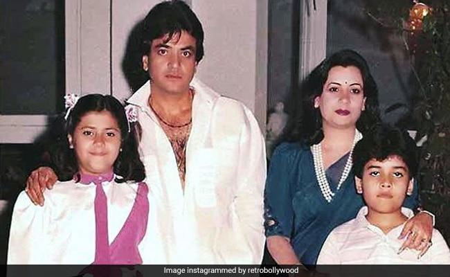 Jeetendra, Shobha, Ekta And Tusshar Kapoor In A Rare Throwback Pic
