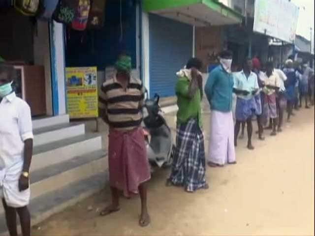 Video : Liquor Shops Reopen In Tamil Nadu Amid Lockdown