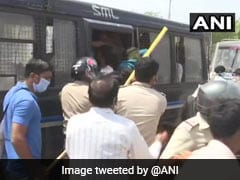 Migrants Clash With Police in Ahmedabad, Stones Thrown, Tear Gas Fired