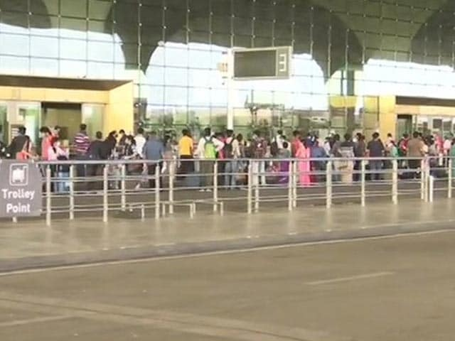 Video : Flights Cancelled, No Info: Anger At Mumbai Airports On Day One